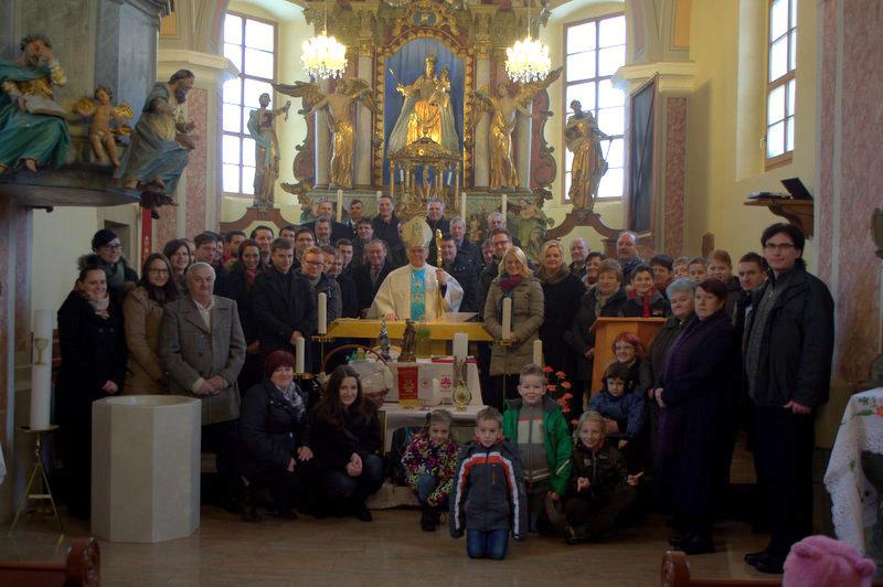 Del sodelujočih v družbi gospoda škofa